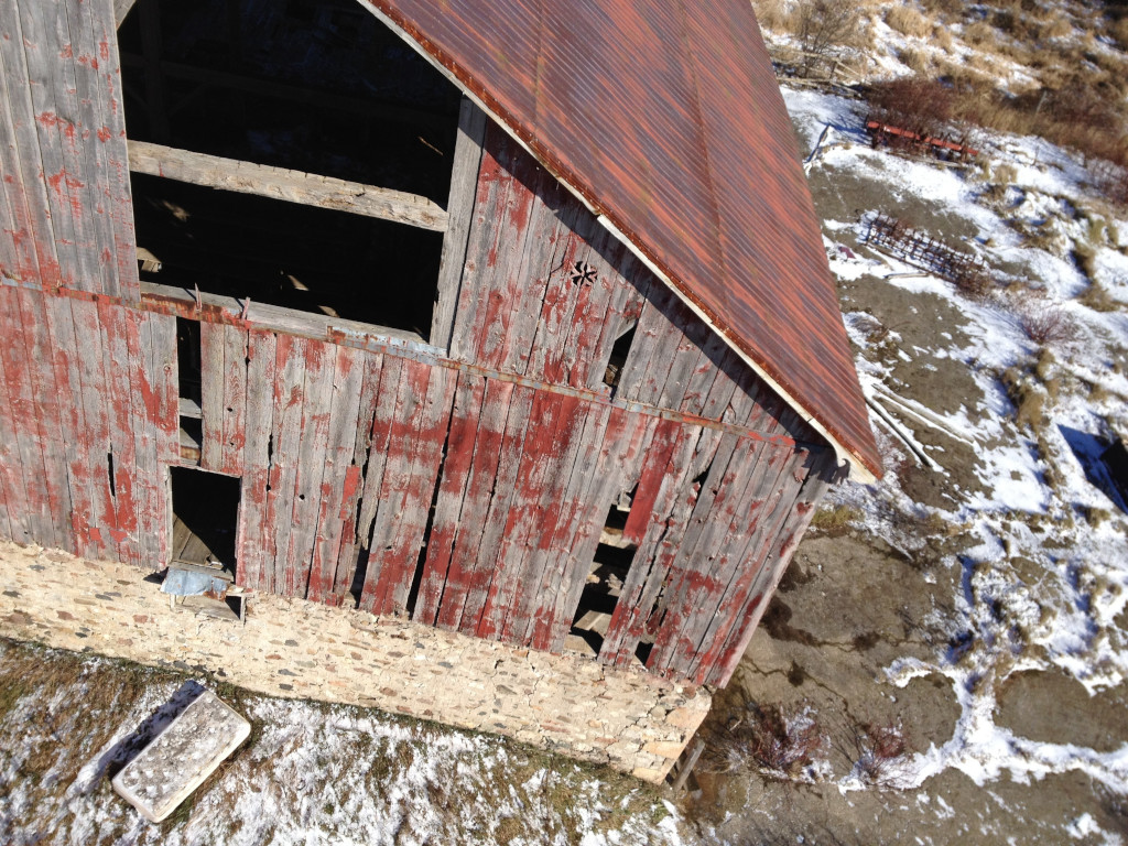 Aerial photo of a dilapidated barn
